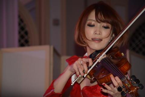 バイオリンAYASAさん